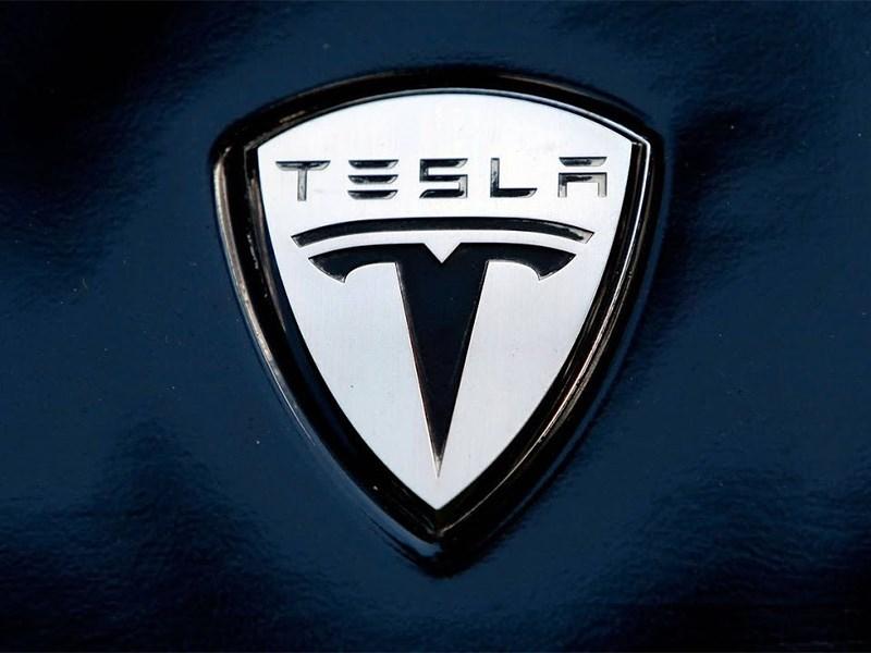 Русские отбирают у Tesla логотип