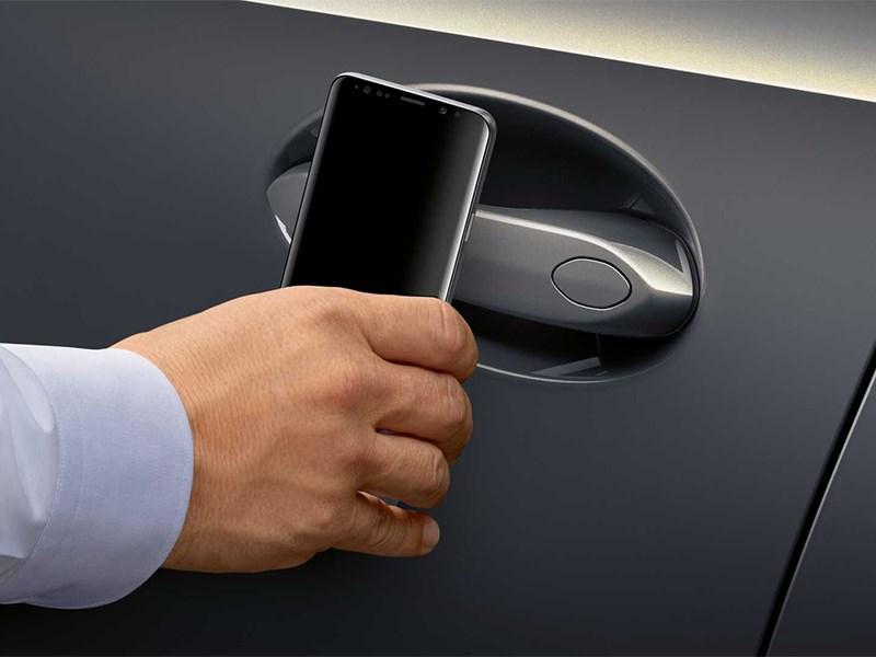 Автомобилями Renault можно управлять с телефона