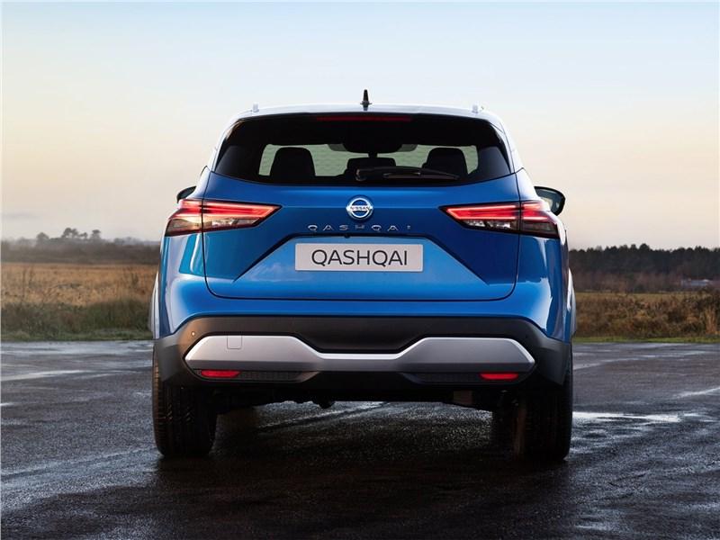Nissan Qashqai (2022) вид сзади