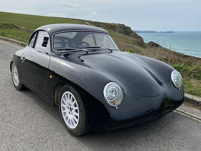 Porsche 356 привели к свету