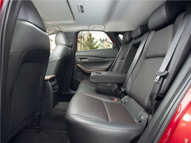 Mazda CX-30 (2020) задний диван