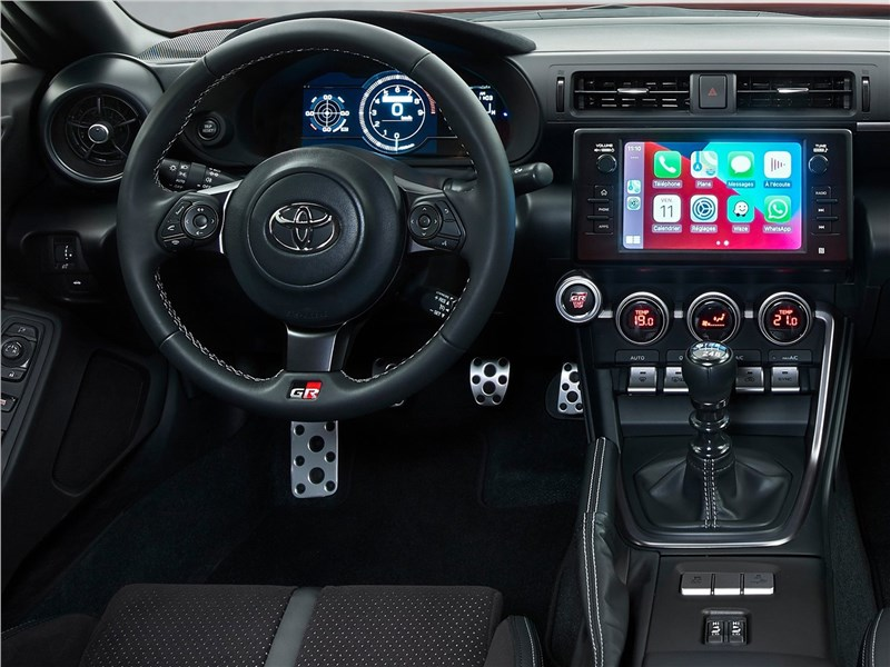 Toyota GR 86 (2022) салон