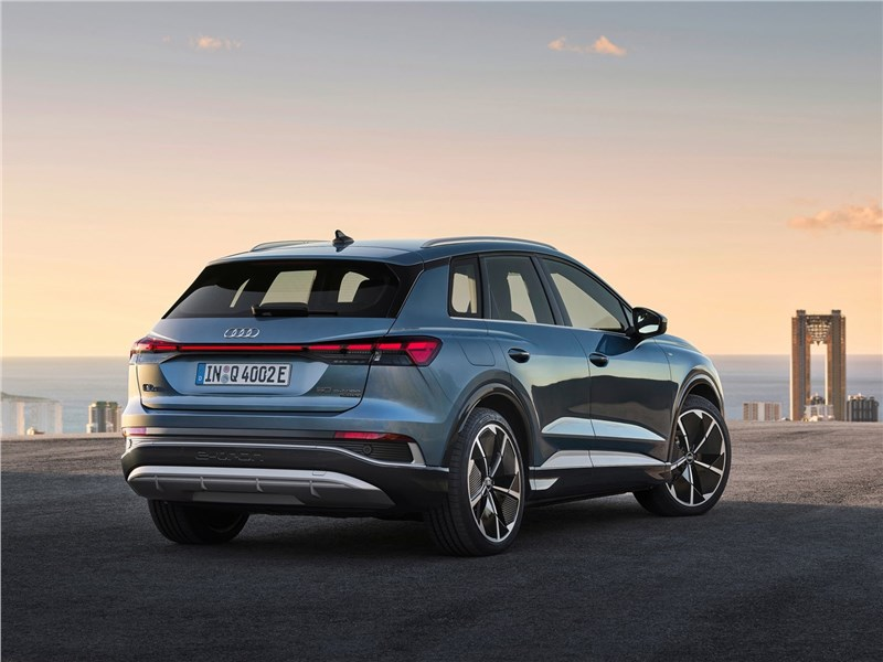 Audi Q4 e-tron (2022) вид сзади