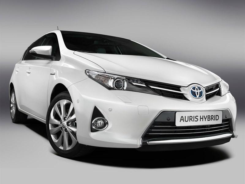 Toyota Corolla получит гибридную модификацию