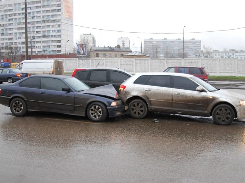Треть российских водителей попадали в аварии из-за неумения вовремя тормозить