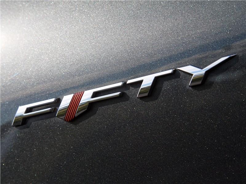 Chevrolet Camaro 2016 шильдик