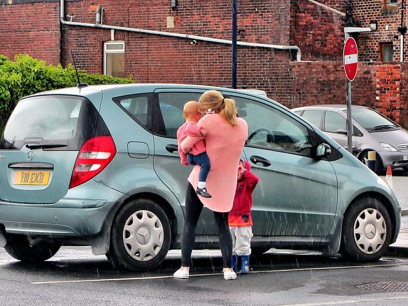 Автодилеры Российской Федерации предлагают использовать для покупки авто материнский капитал