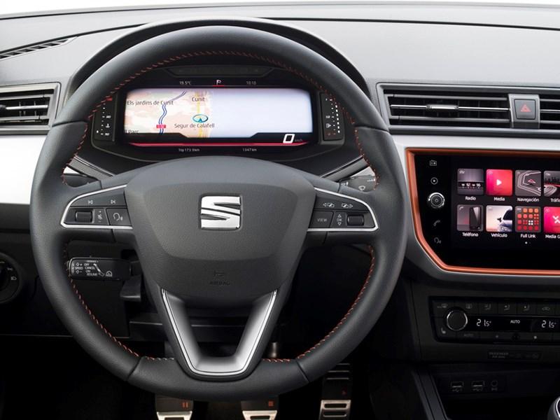 Две модели Seat получили виртуальную приборную панель