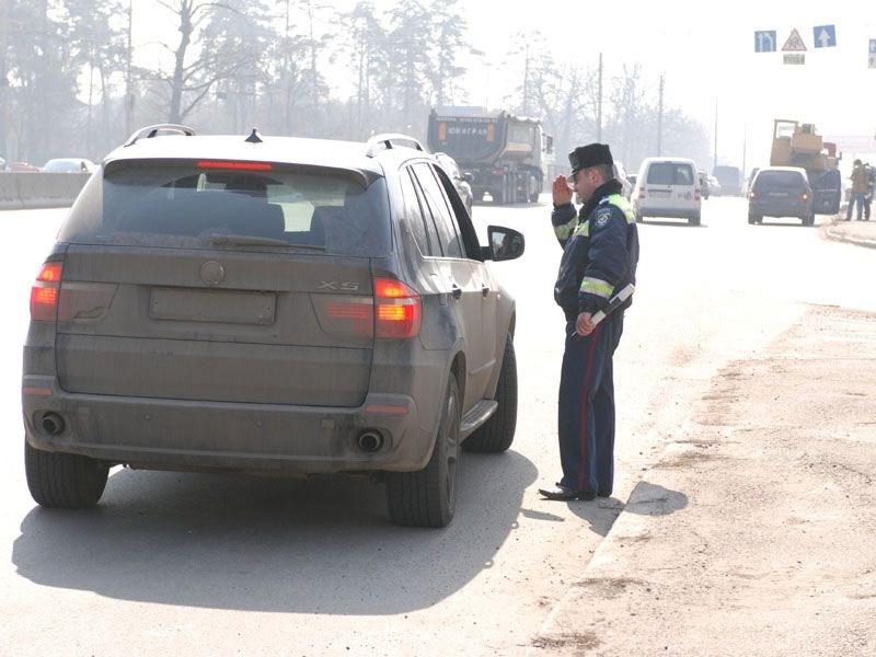 В МВД предлагают ставить под стекло автомобилей RFID-чипы