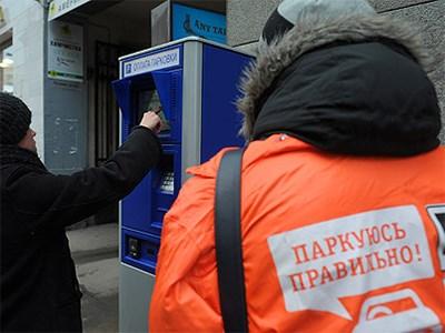 Москвичей будут учить пользоваться парковками в ходе промоакции