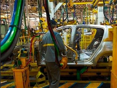 Компания Renault запускает производство новых автомобилей в Москве