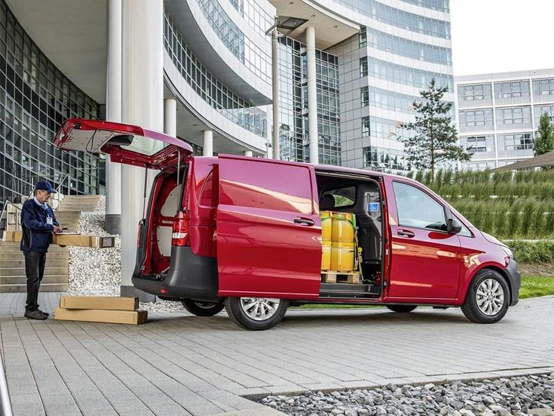 Mercedes-Benz Vito 2015 вид сбоку