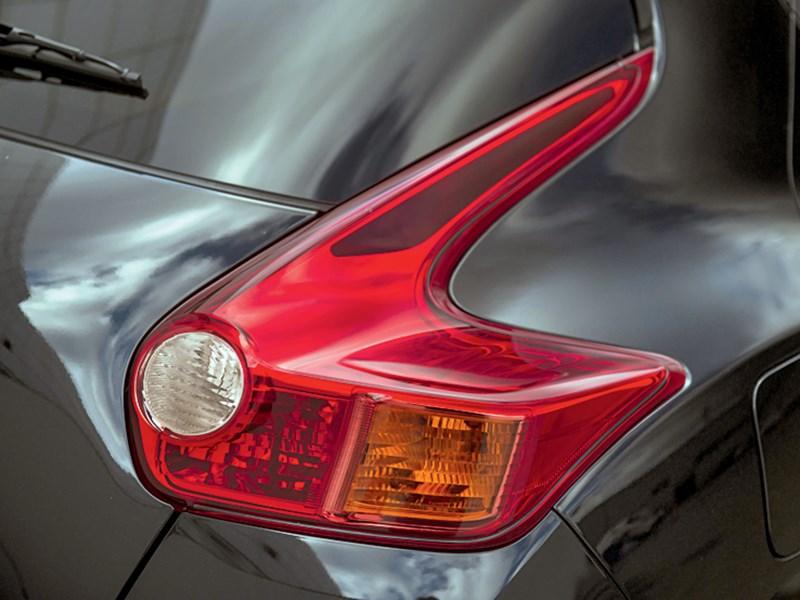 Nissan Juke 2012 задний фонарь