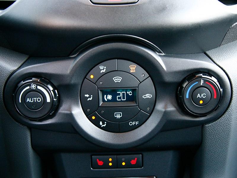 Ford EcoSport 2013 управление климатом