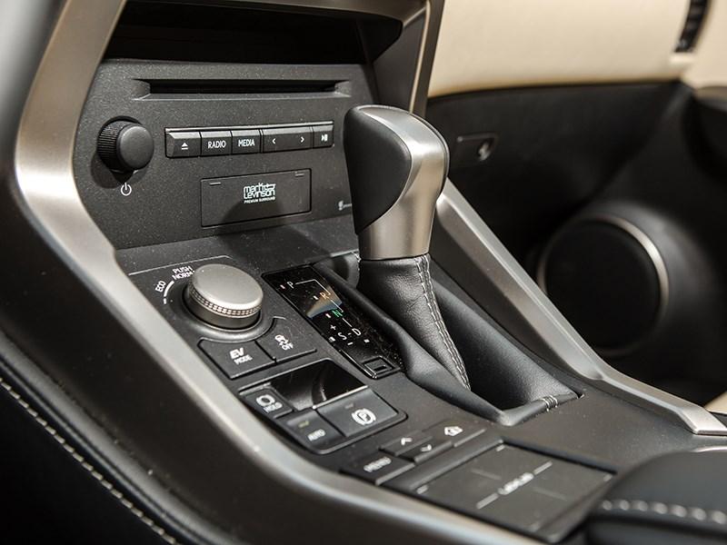 Lexus NX 300h AWD 2015 АКПП