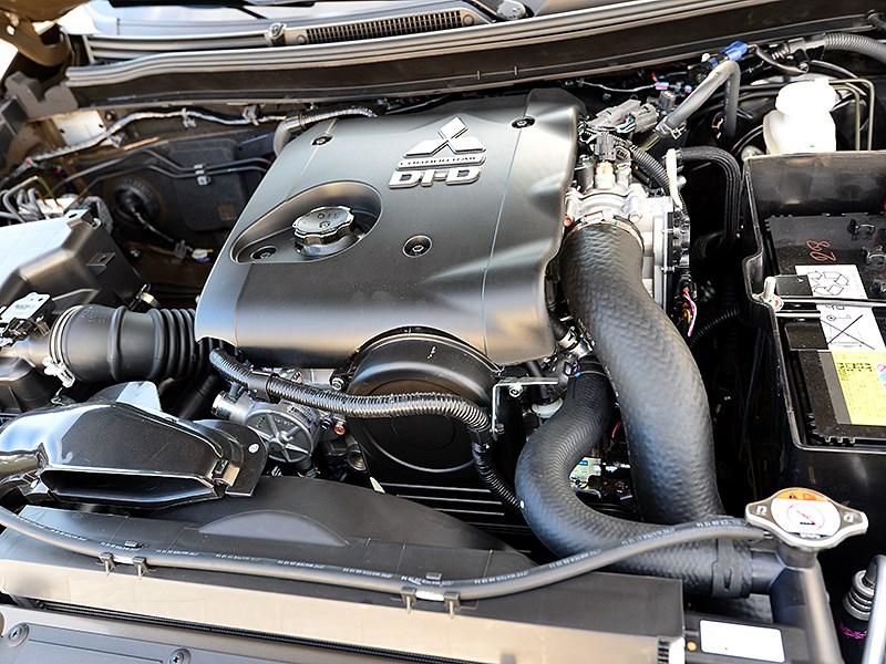 Mitsubishi L200 2015 двигатель