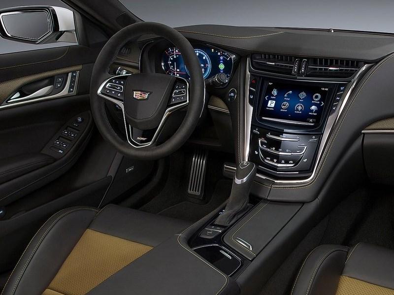 Cadillac CTS-V 2016 водительское место