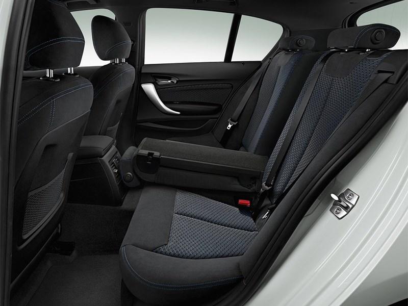 BMW 1-Series 5-doors 2016 задний диван
