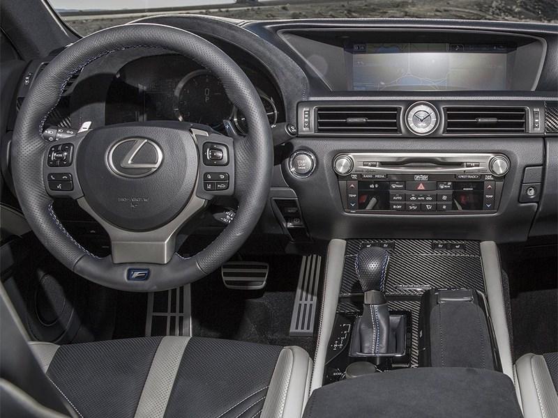 Lexus GS F 2016 водительское место