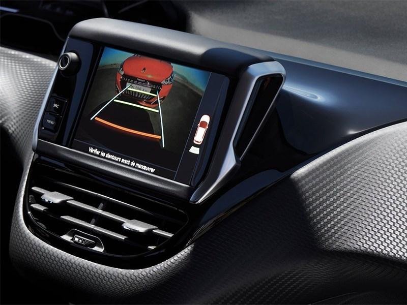 Peugeot 208 2016 центральная консоль