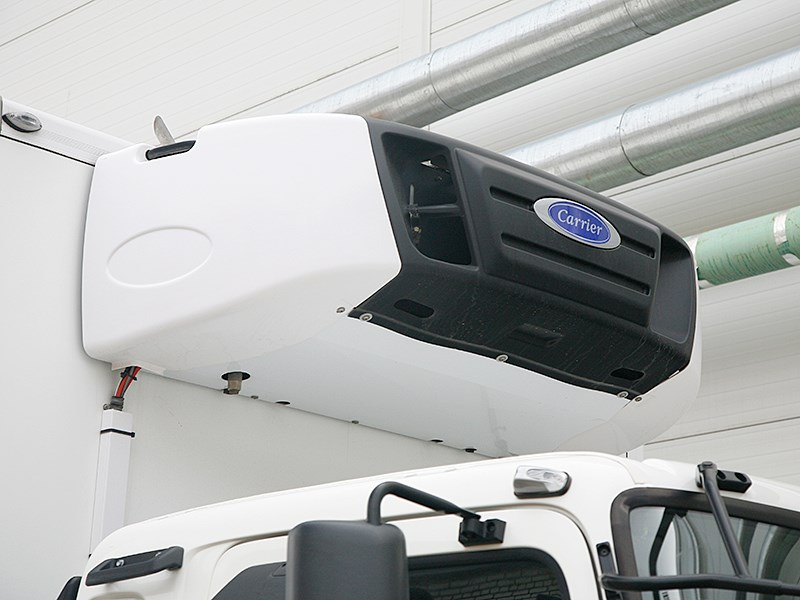 Hino 500 холодильная установка Carrier
