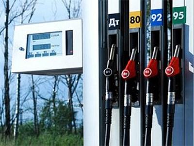 В России снова дорожает бензин
