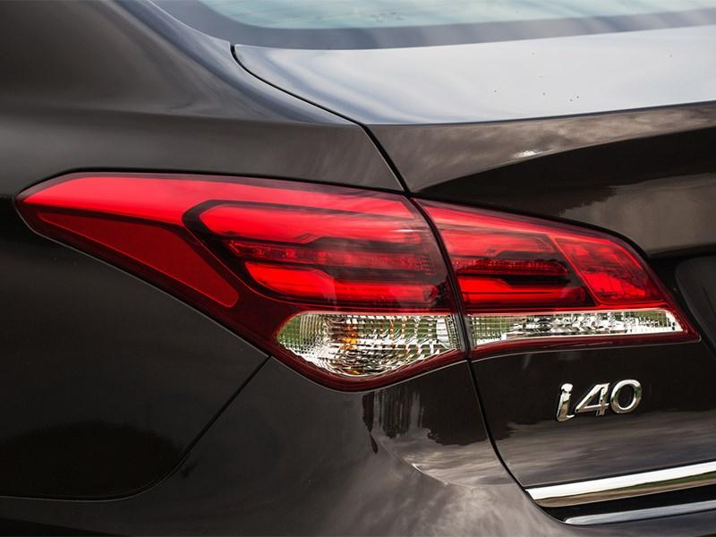 Hyundai i40 2015 задний фонарь