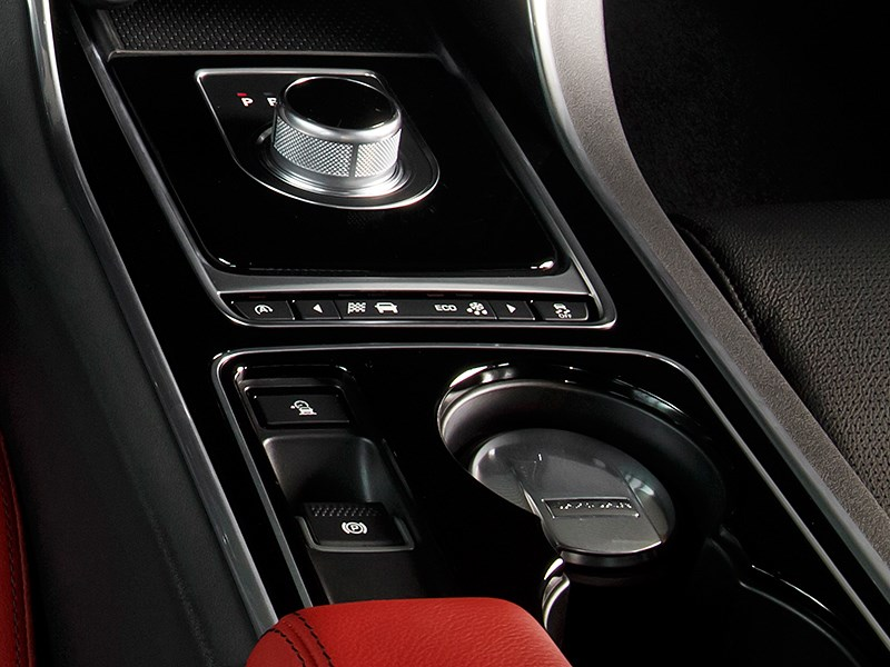 Jaguar XE 2015 8АКПП