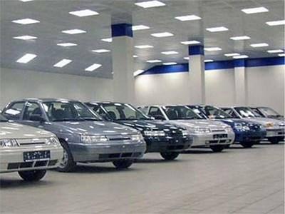 В августе российский рынок легковых автомобилей упал на 27 процентов