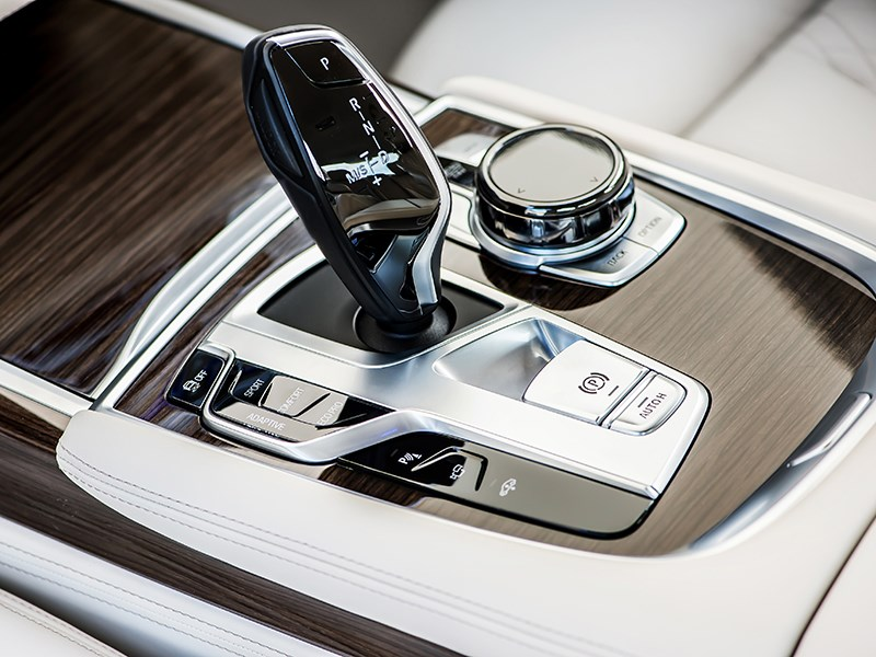 BMW 7-Series 2016 8АКПП