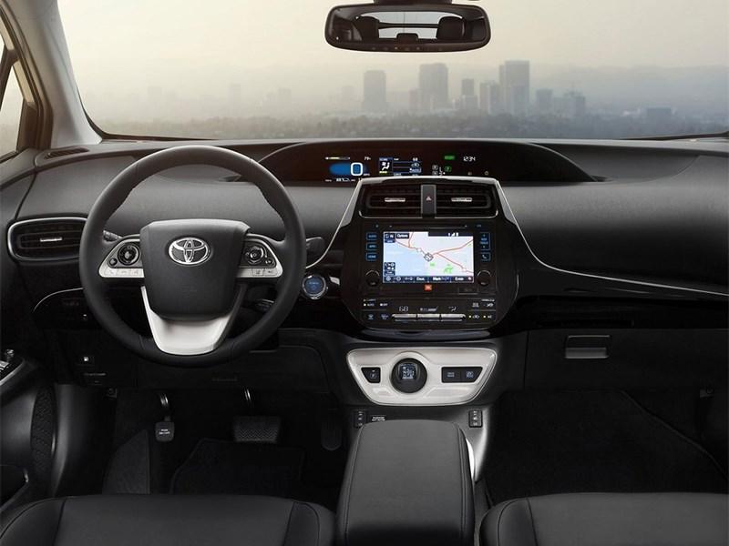 Toyota Prius 2016 салон