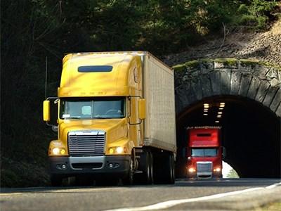 Физическим лицам запретят регистрировать грузовики и автобусы