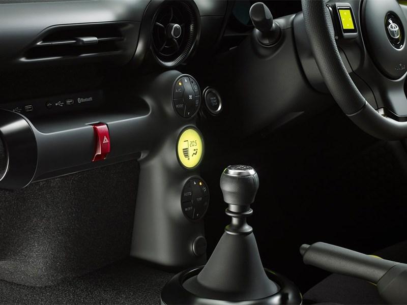 Toyota S-FR Concept 2015 салон