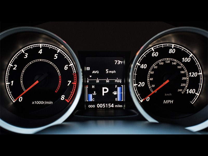 Mitsubishi Lancer GT 2016 приборная панель