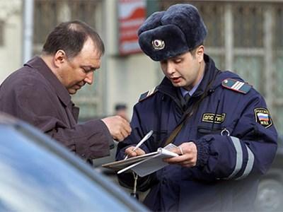 Неплательщиков штрафов и алиментов могут оставить без водительских прав
