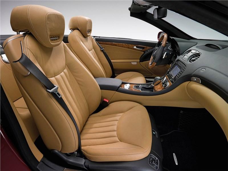Mercedes-Benz SL 500 2009 кресла