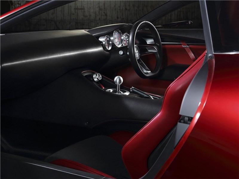 Mazda RX-Vision Concept 2015 салон 2