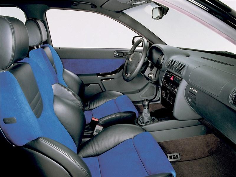 Audi S3 1999 передние кресла