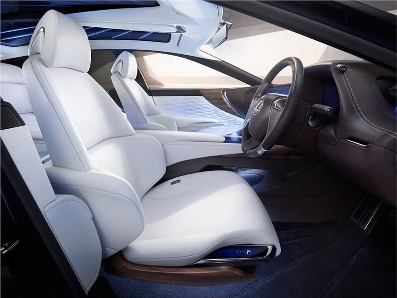 Lexus LF-FC 2015 передние кресла