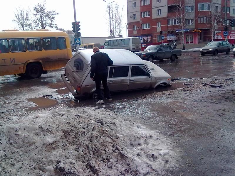 Московские власти уверены, что в обвалах грунта в столице виновата погода