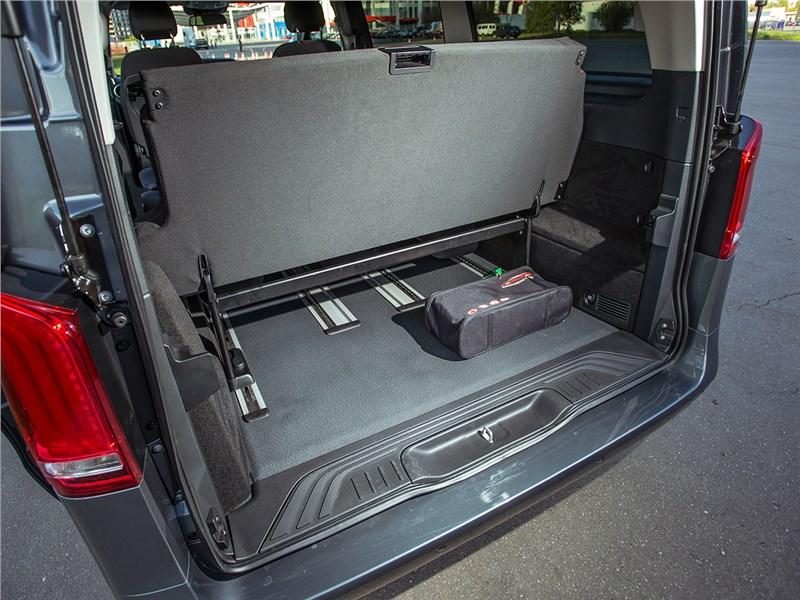 Mercedes-Benz Vito Tourer 2015 багажное отделение