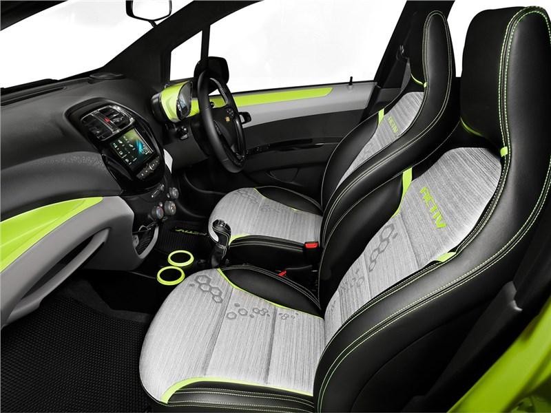 Chevrolet Beat Activ concept 2016 передние кресла