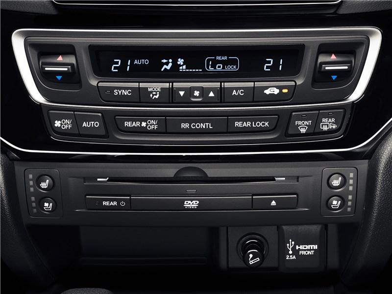 Honda Pilot 2016 центральная консоль