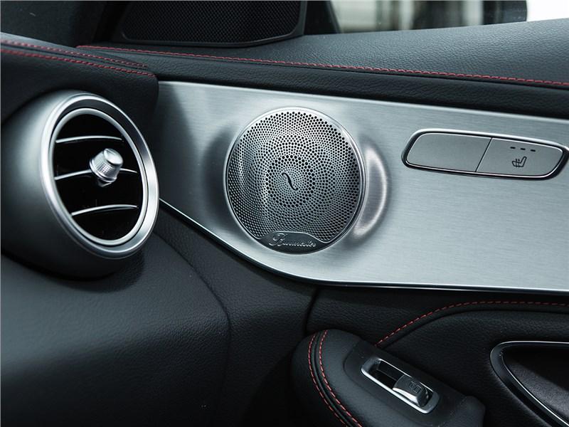 Mercedes-Benz C450 AMG 2016 динамик