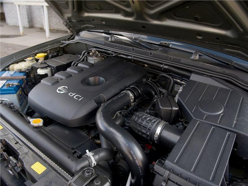 Nissan Pathfinder 2010 двигатель