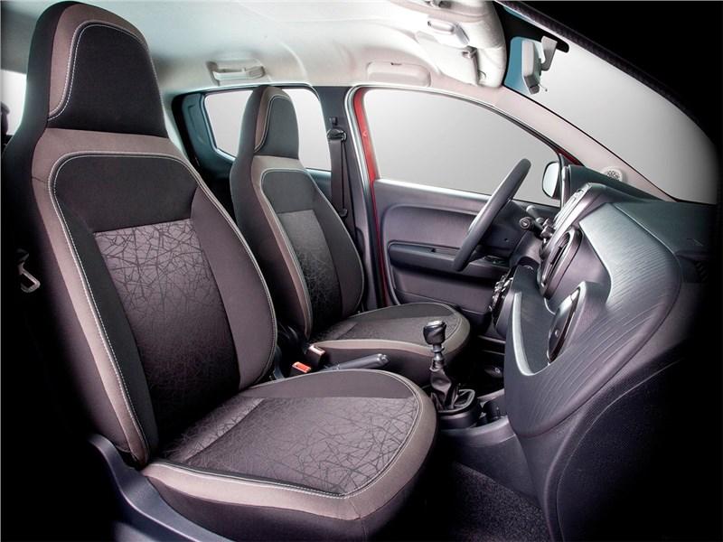 Fiat Mobi 2017 передние кресла