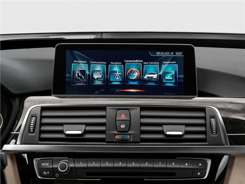 BMW 3 series GT 2017 монитор