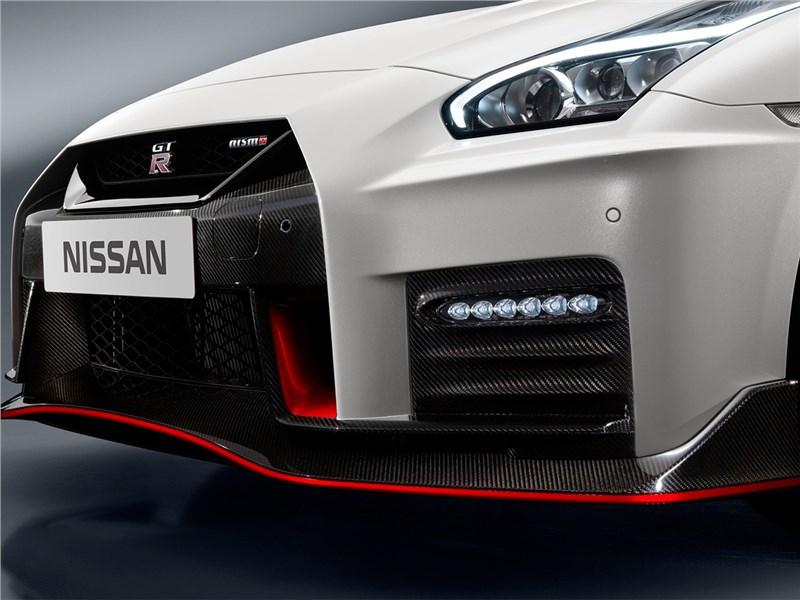 Nissan GTR Nismo 2017 передний бампер