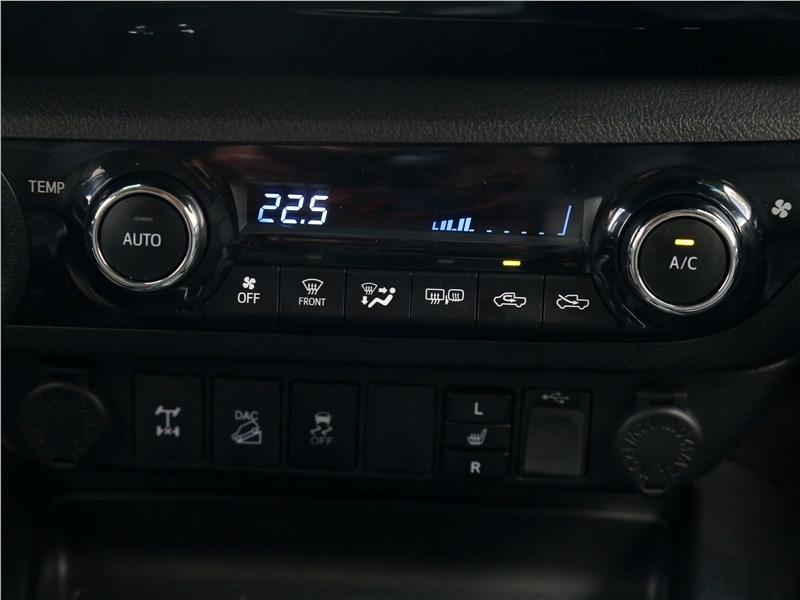 Toyota HiLux 2016 управление климатом