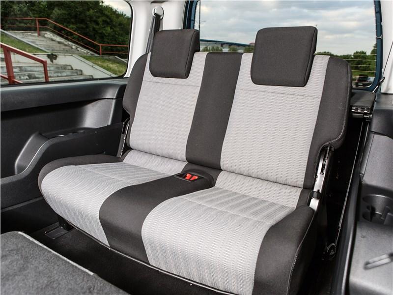 Volkswagen Caddy Maxi 2016 третий ряд